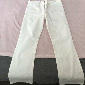 Gap white jeans 29r sexy boot